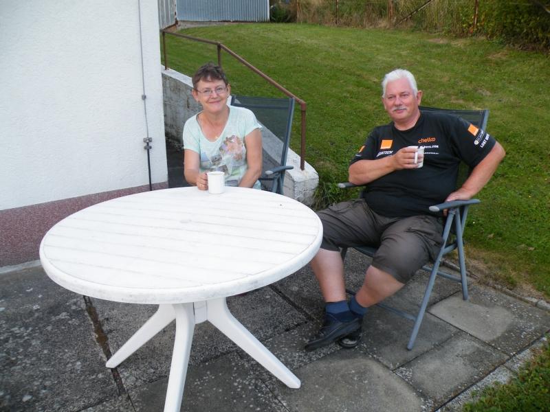 Familie B. aus Lelystad (NL) zur Kaffeepause im Garten