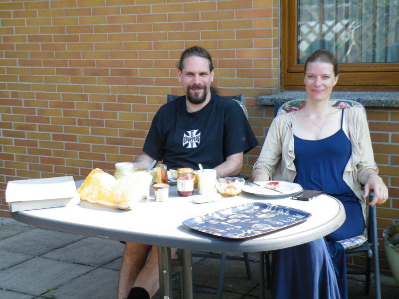 Ingo und Heike  aus B. zum Führstück auf der Terrasse bei entspanntem Kurzurlaub